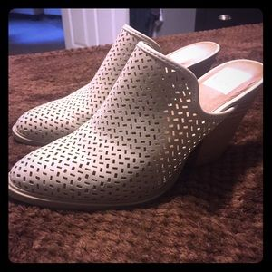 DV SIZE 6 .. worn Once !! Super cute & Comfy